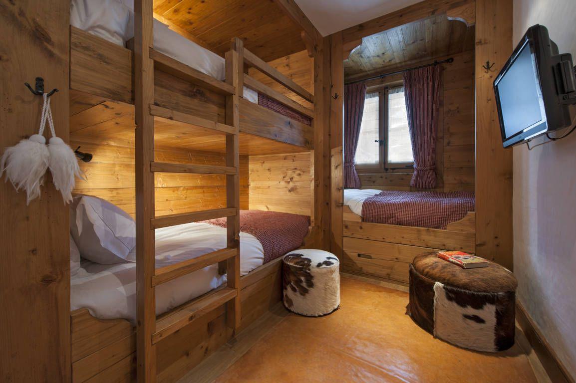 Lodge Style Bedroom Furniture: Chalet Sagittaire-Fontanet, Luxury Ski Lodge In Verbier