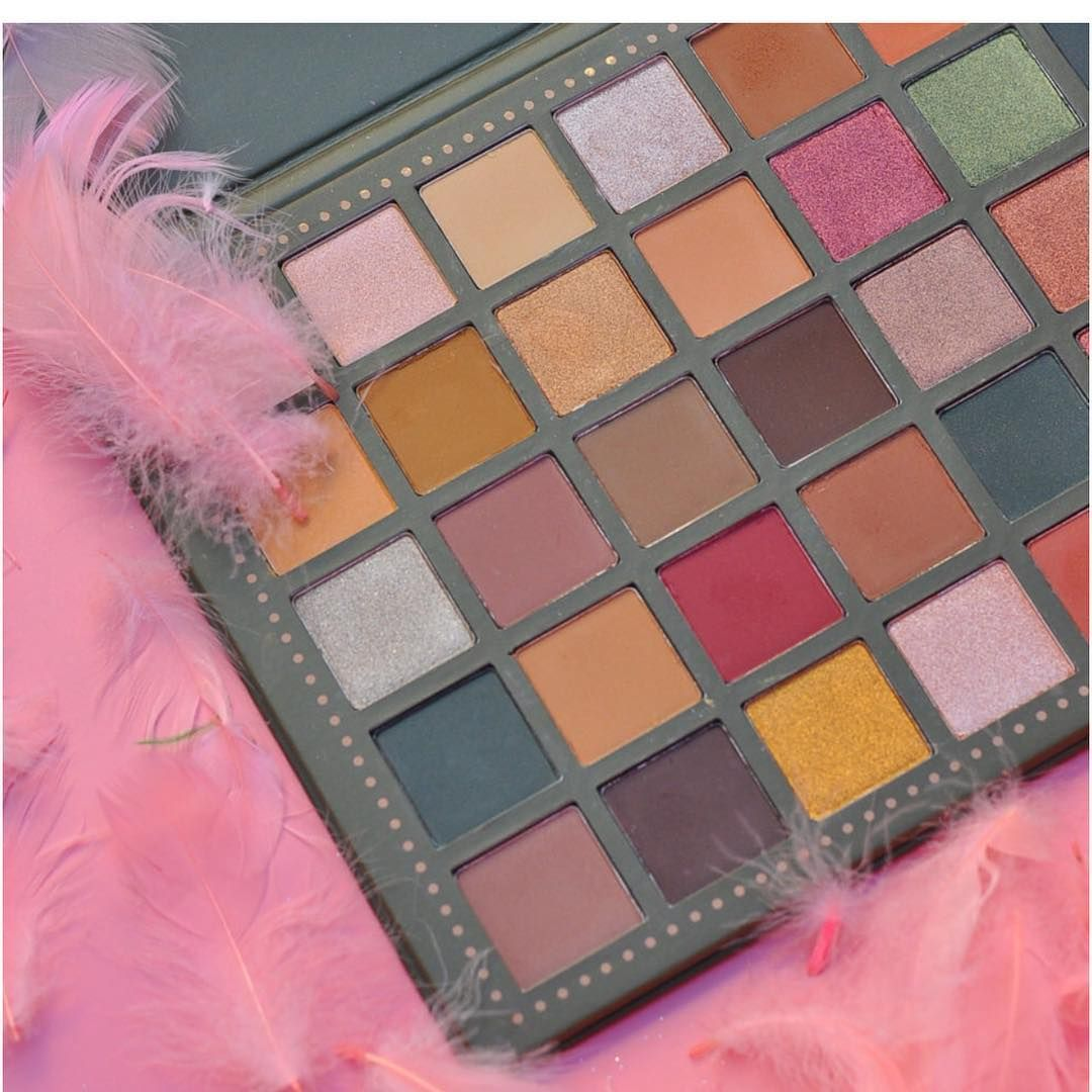 Pin by Beauty Pod on Valentine's Glam in 2019 Eyeshadow