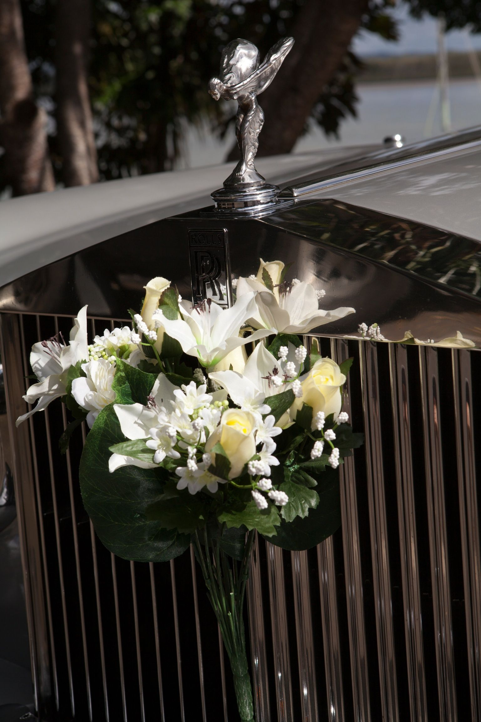 Flowers for any wedding on the rr grille with images