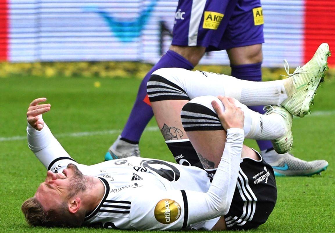 Rosenborg Striker Nicklas Bendtner Came Off Injured With