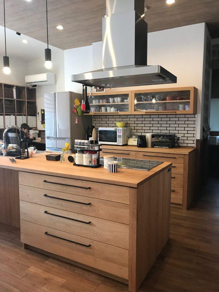 愛知県 碧南市のアイランドキッチン スタジオママル 2020 リビング キッチン キッチンデザイン シンプルモダン キッチン