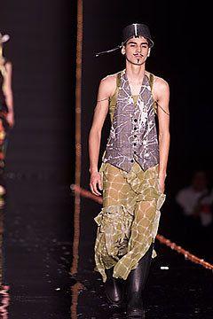 John Galliano Fall 2000 Ready-to-Wear Fashion Show - John Galliano