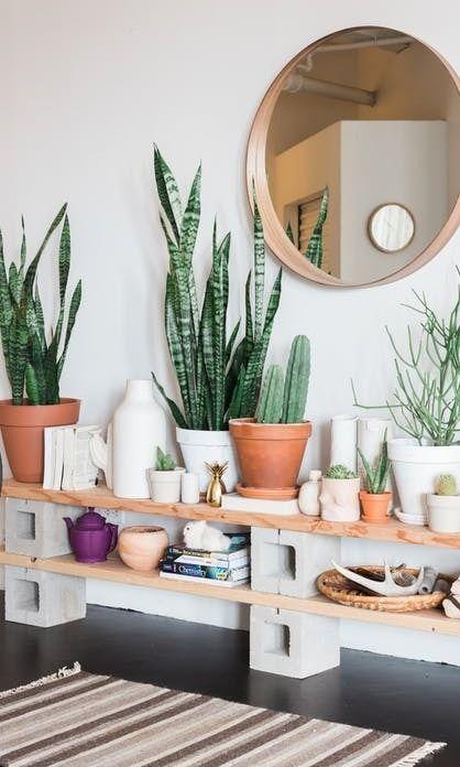 tour a sunny plant filled chicago loft parpaing planches de bois et planches. Black Bedroom Furniture Sets. Home Design Ideas