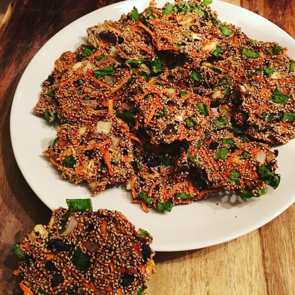 Raw vegan crispy veggie crackers tanny raw fully raw bread join me here to discover delicious high carb low fat hclf raw vegan hclfrv recipes from my kitchen plus heaps of health tips and advice to i forumfinder Choice Image