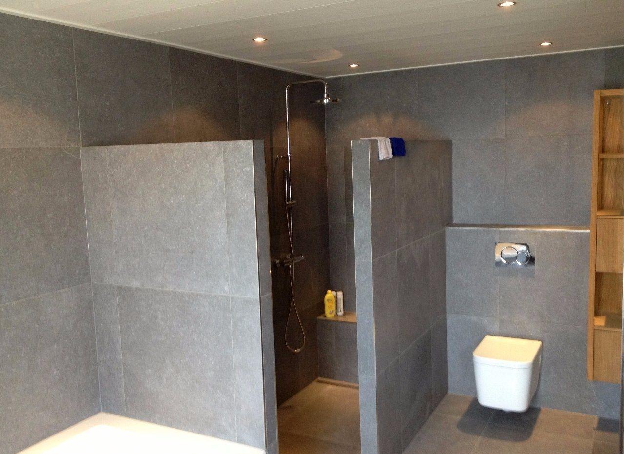 Badkamer grijze tegels cool luxe badkamer met grote grijze tegels