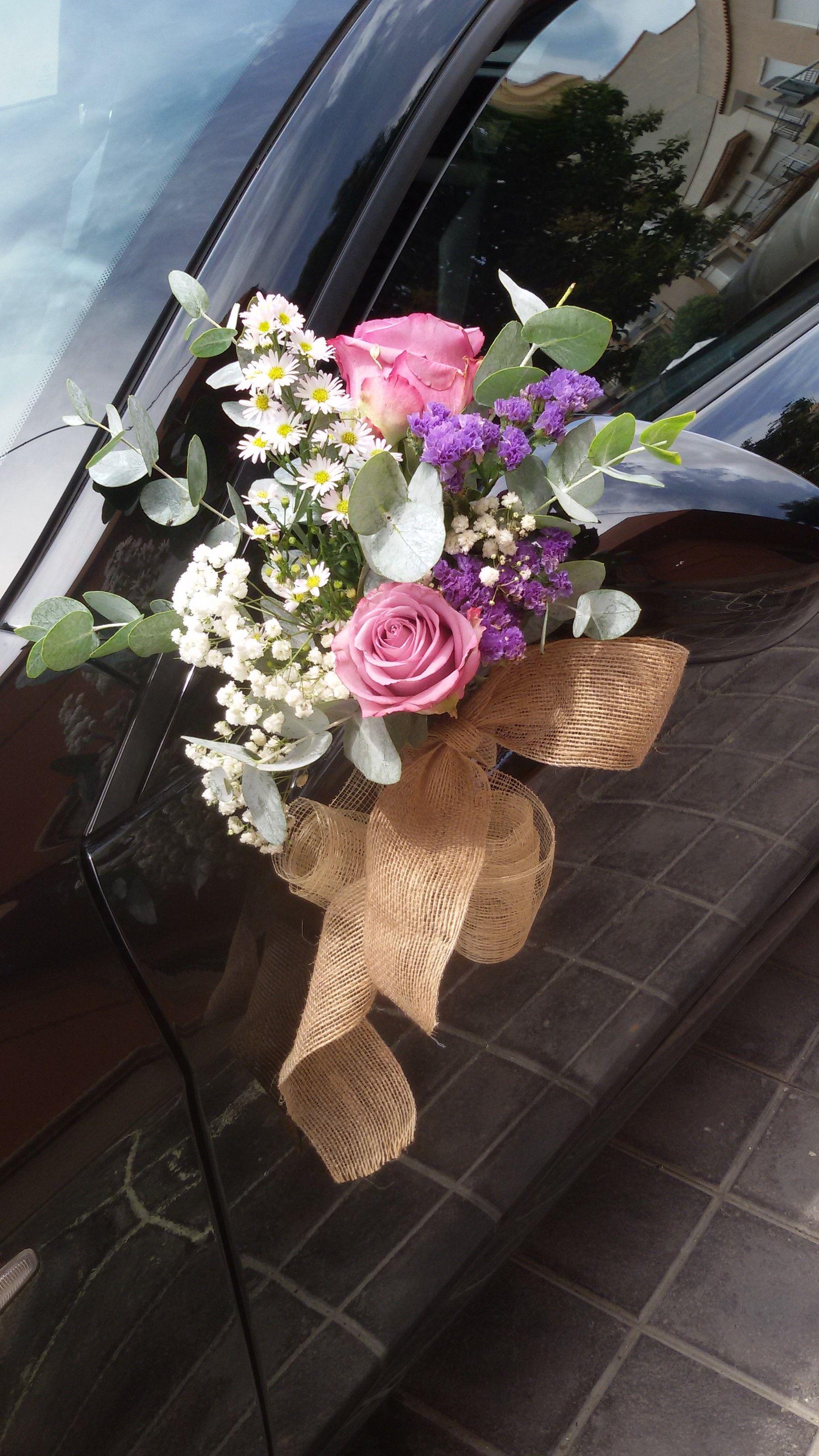 Wedding car decoration ideas  Atado cocheDecoracion Petty Perezmanglano  wedding ideas