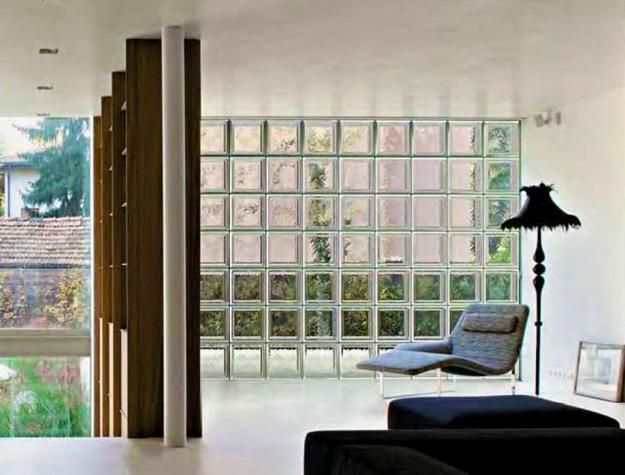 Glass Blocks Adding Sparkling Accents To Modern Home Designs Modern House Design Interior Design With Glass Glass Blocks