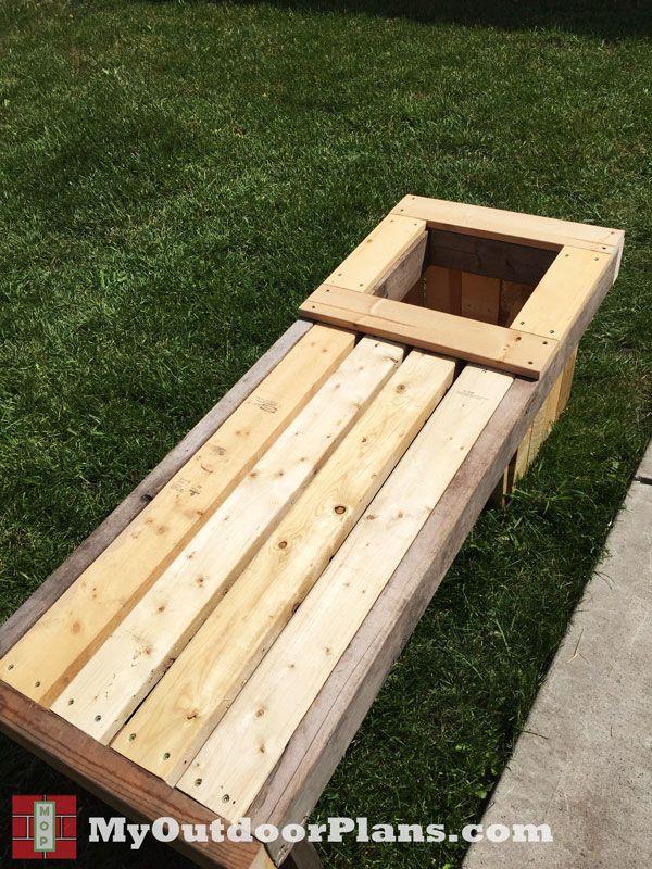 DIY Planter Bench |