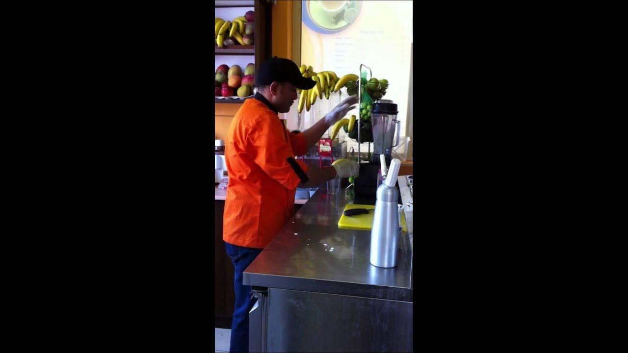 طريقة عمل عصير الموز بالحليب والكريمة بأحدث طريقة Banana W The Originals