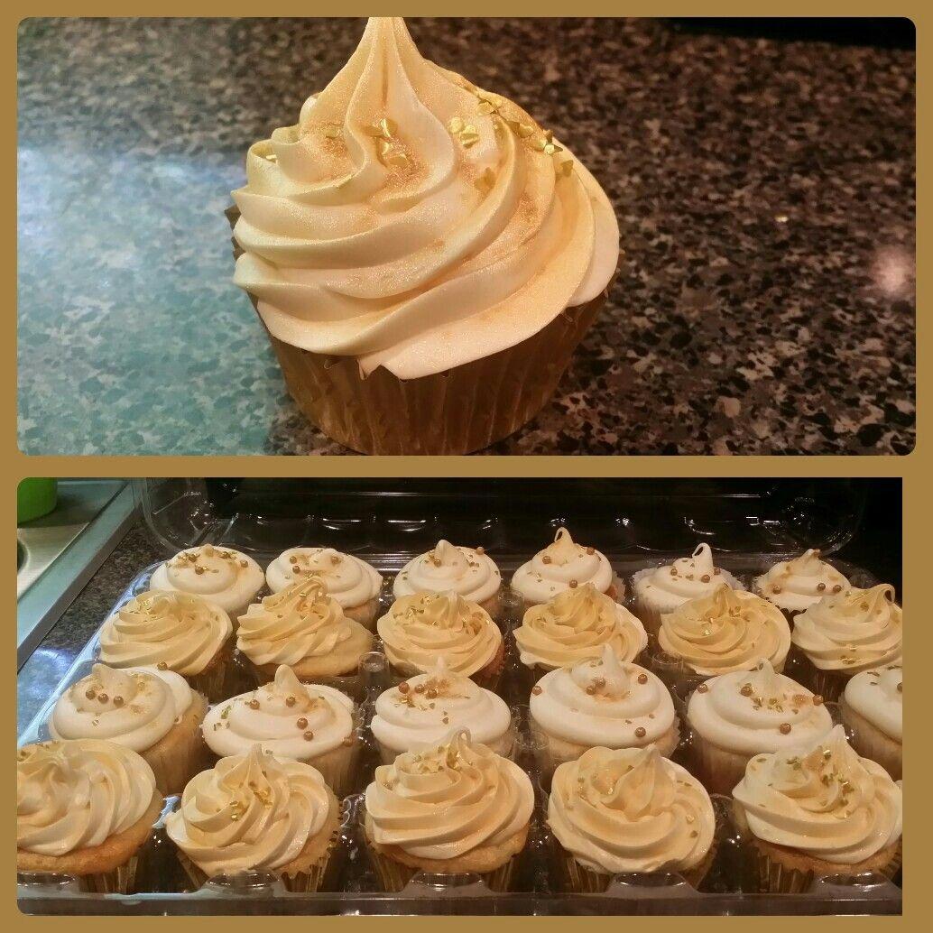 24 Karat Gold Cupcakes Vanilla Cupcakes Baked In Gold Cupcake