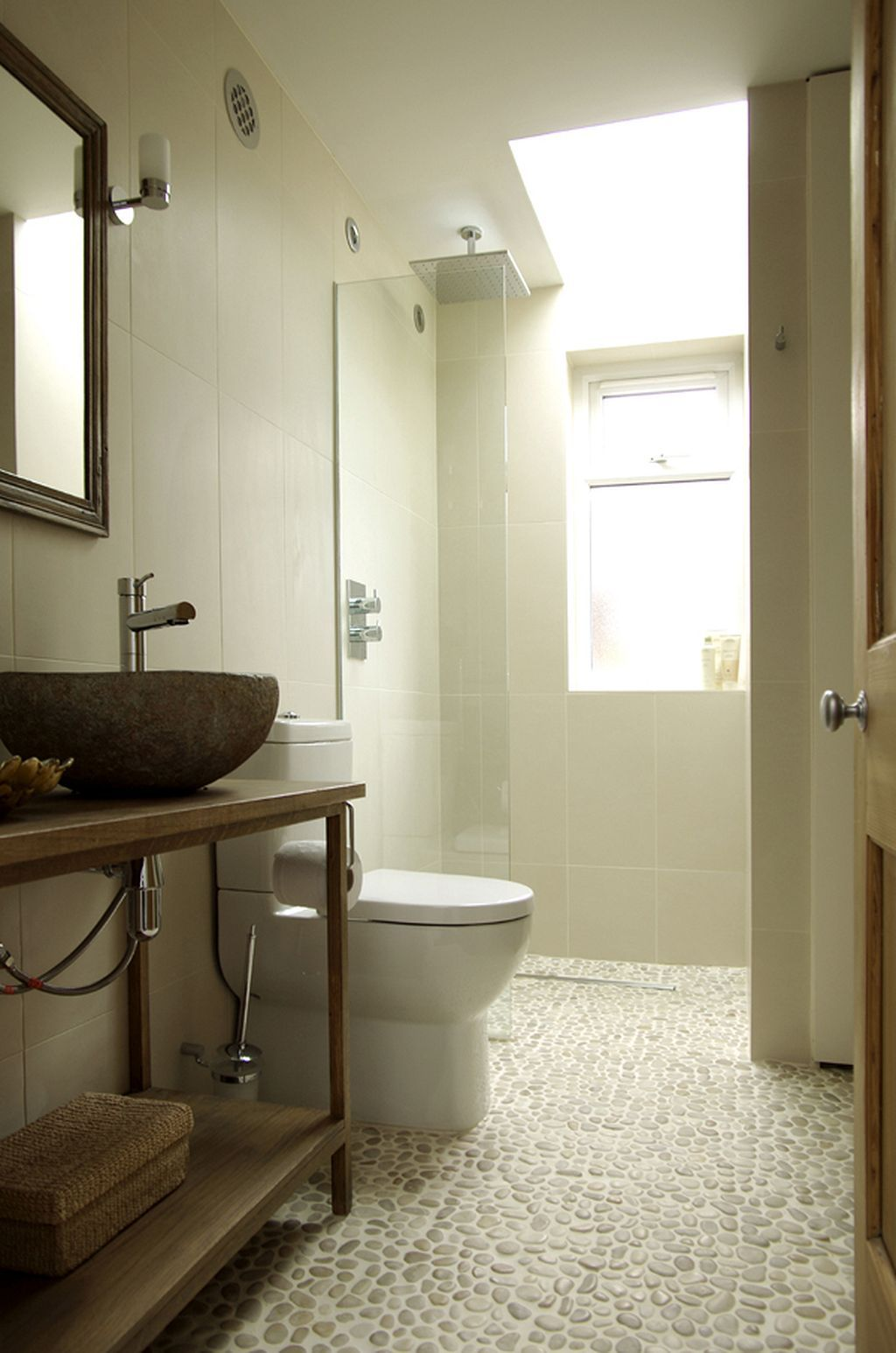 Amazing 40+ Pebble Tile Bathroom Ideas https://pinarchitecture.com ...