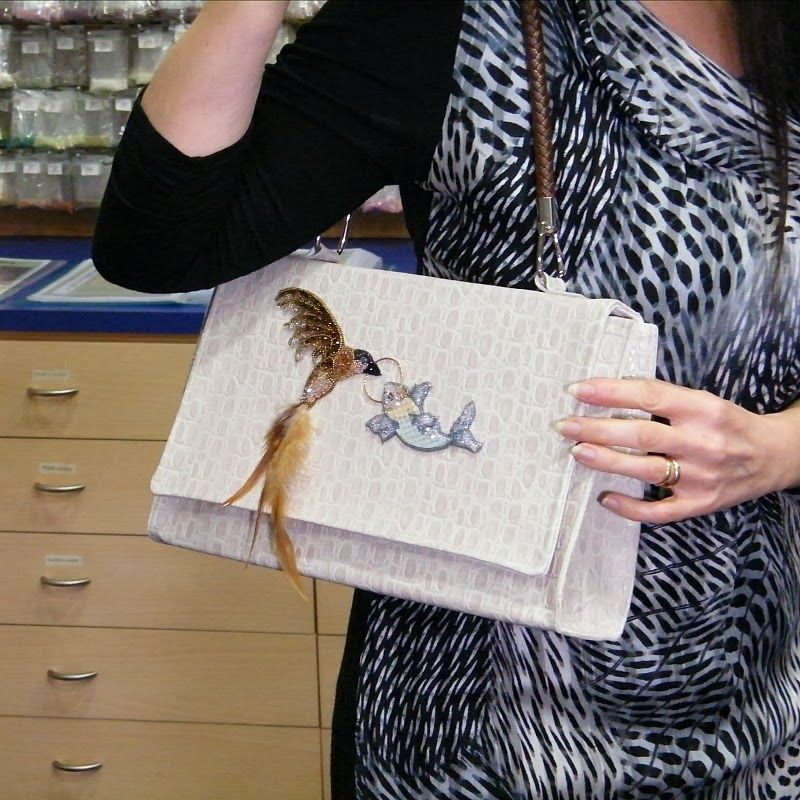 Eternity purse ; bead embroidery with Swarovski ... Koi and hummingbird !