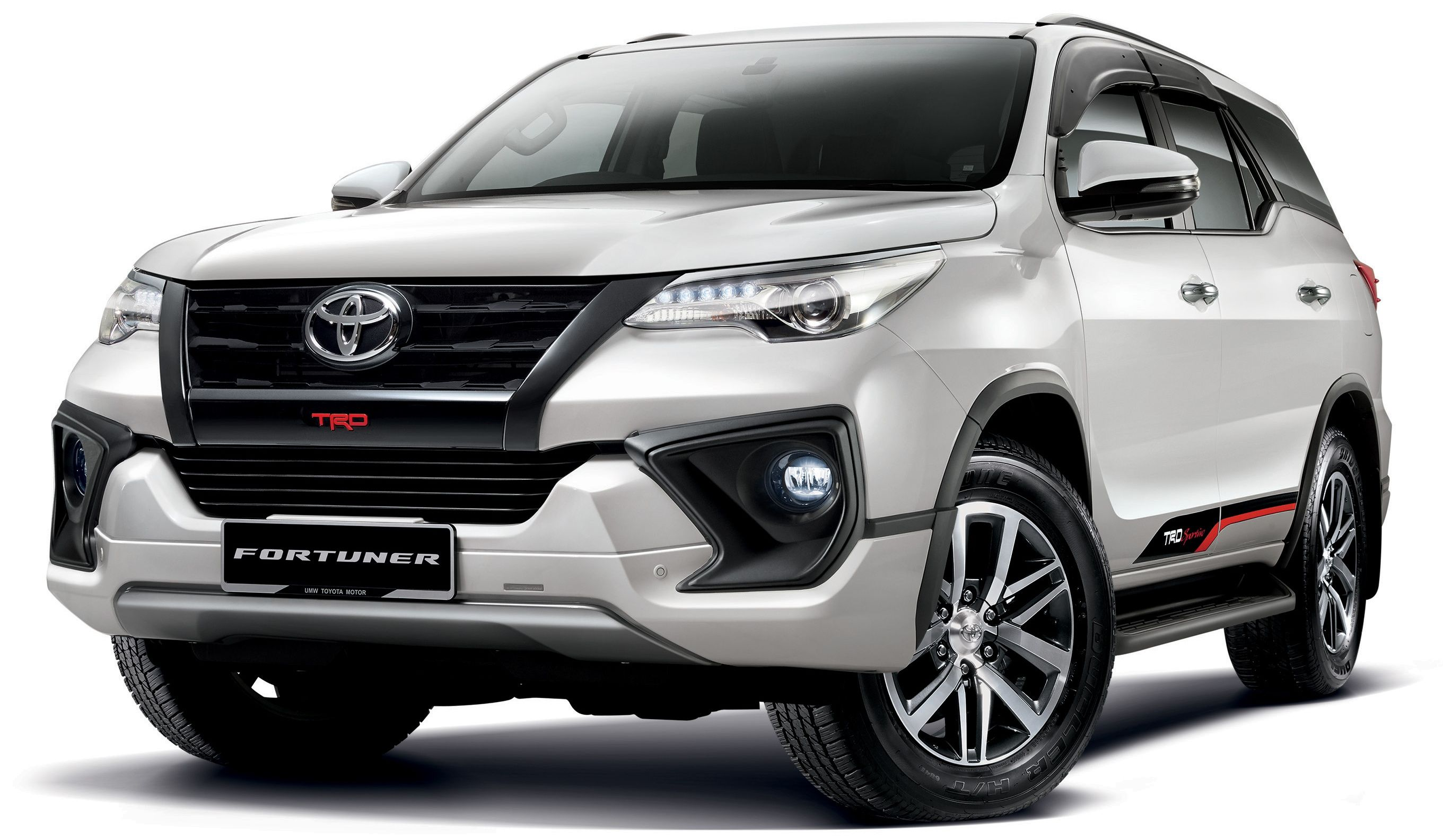 Toyota Fortuner Updated Now On Sale New 2 4 Vrz 4x2 And 4x4 From Rm186k Standard Rear Disc Brakes Paultan Org Suv Cars Toyota Suv
