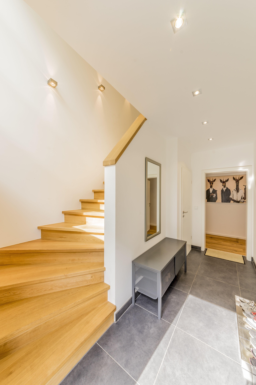 Beleuchtete Treppe Mit Led Spots Treppe Led Beleuchtung Diele Treppe Beleuchtung Fischerhaus Wohnidee Treppe Bauhaus 333 Home Decor Bedroom Home House