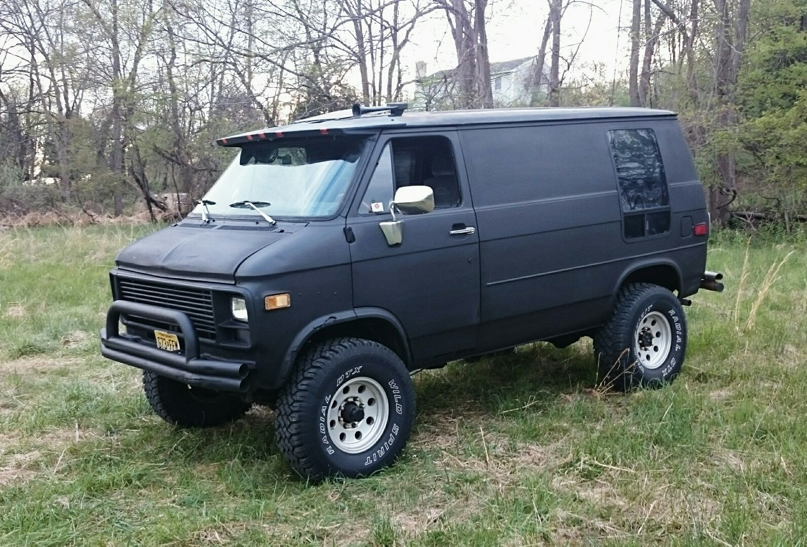Shorty 1983 Pathfinder 4x4 Chevy Van Trik Edition With A 350
