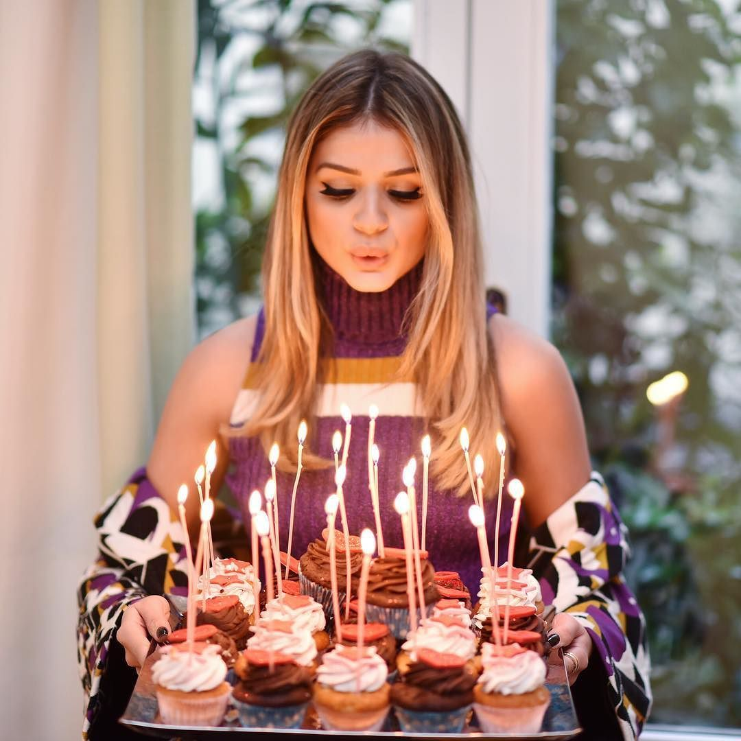 Amei os 27 motivos para comemorar e os 27 cupcakes para deixar meu dia mais doce @iorane!  #bdaygirl #thassianaves #thassiaMFW #btviaja by thassianaves