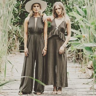 If you ever said a jumpsuit wasn't for you then you clearly haven't tried @leaveherwilder_bridesmaids jumpsuits. Handmade, hand dyed natural material made with a longer torso bodice to fit all body types. Flowing and beautiful especially in Khaki. Check out www.unbridledcourtenay.com/collections/dresses for more styles and colors.  #unbridledcourtenay #vancouverislandbridalshop #vancouverislandbridesmaid #courtenaydressshop #fallweddings #leaveherwilder #fallbridesmaidsdresses #fallweddingin #bridesmaidjumpsuits