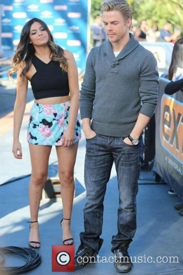 Youtuber Dancer Bethany Mota And Her Dwts Partner Derek Hough At The Extra Event In Los Angeles California On November 6 2 Derek Hough Bethany Mota Hough