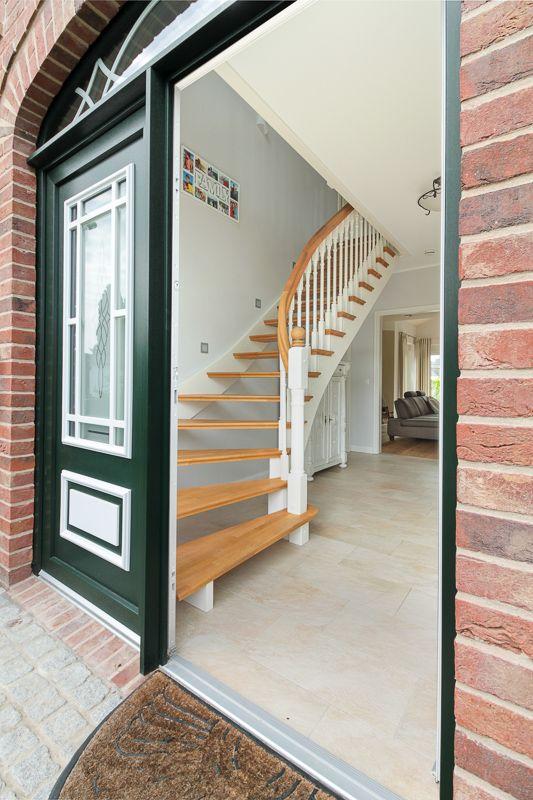 Eingangsbereich vom Landhaus mit Sylter Charme von ECO System HAUS