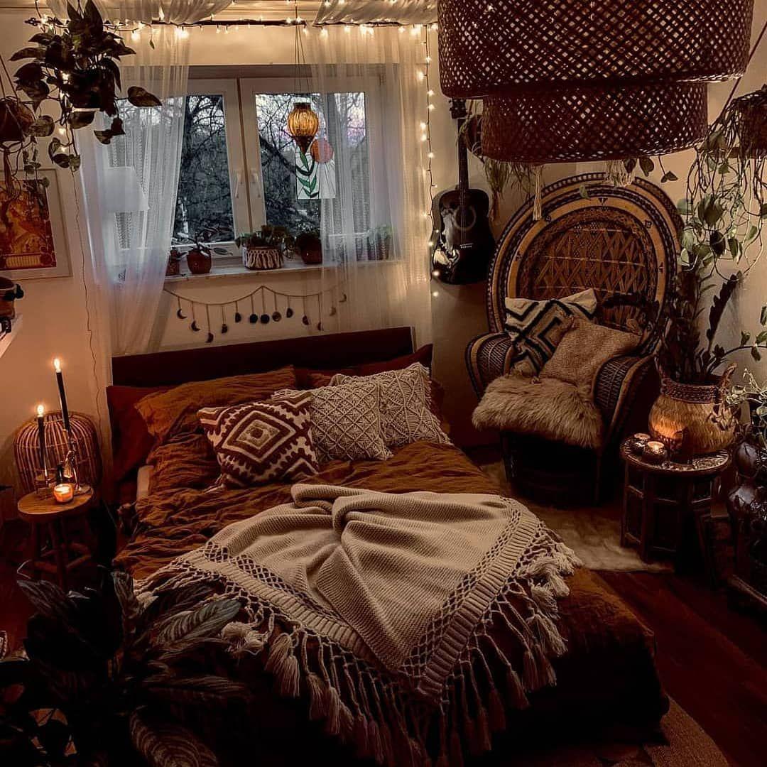 Homedecor Hippie On Instagram Via Bohemiandecors Cozy Bedding Plush Pillows Cand In 2020 Bohemian Bedroom Decor Modern Bohemian Bedroom Aesthetic Bedroom