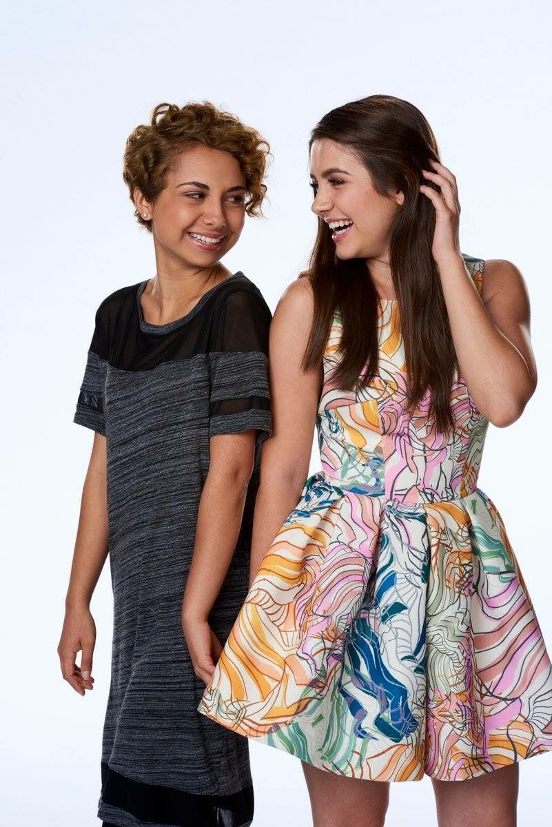 Zoe And Rasha Degrassi Next Class Degrassi Lola Degrassi
