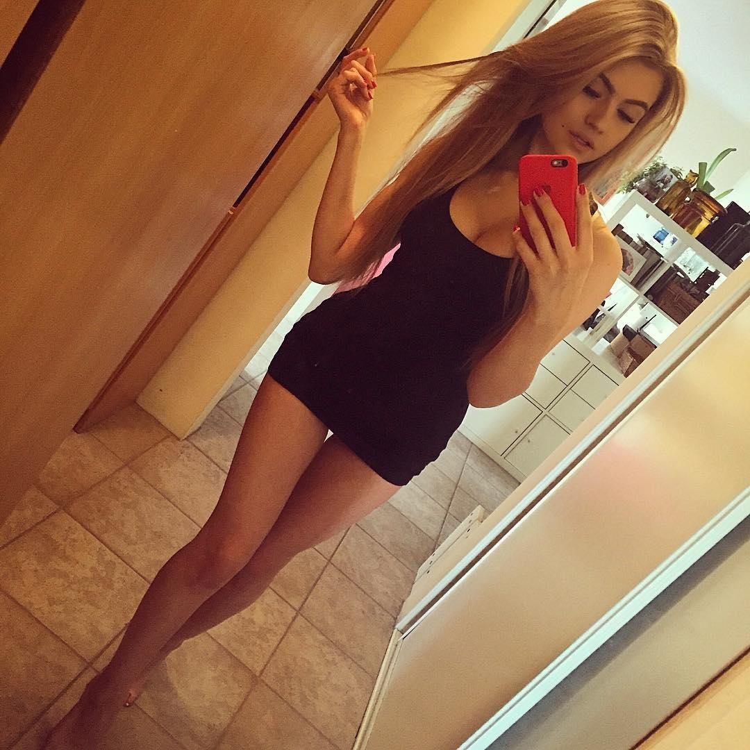 #красотки Милые девушки (41 фото) | Красотки, Лесбиянки и ...