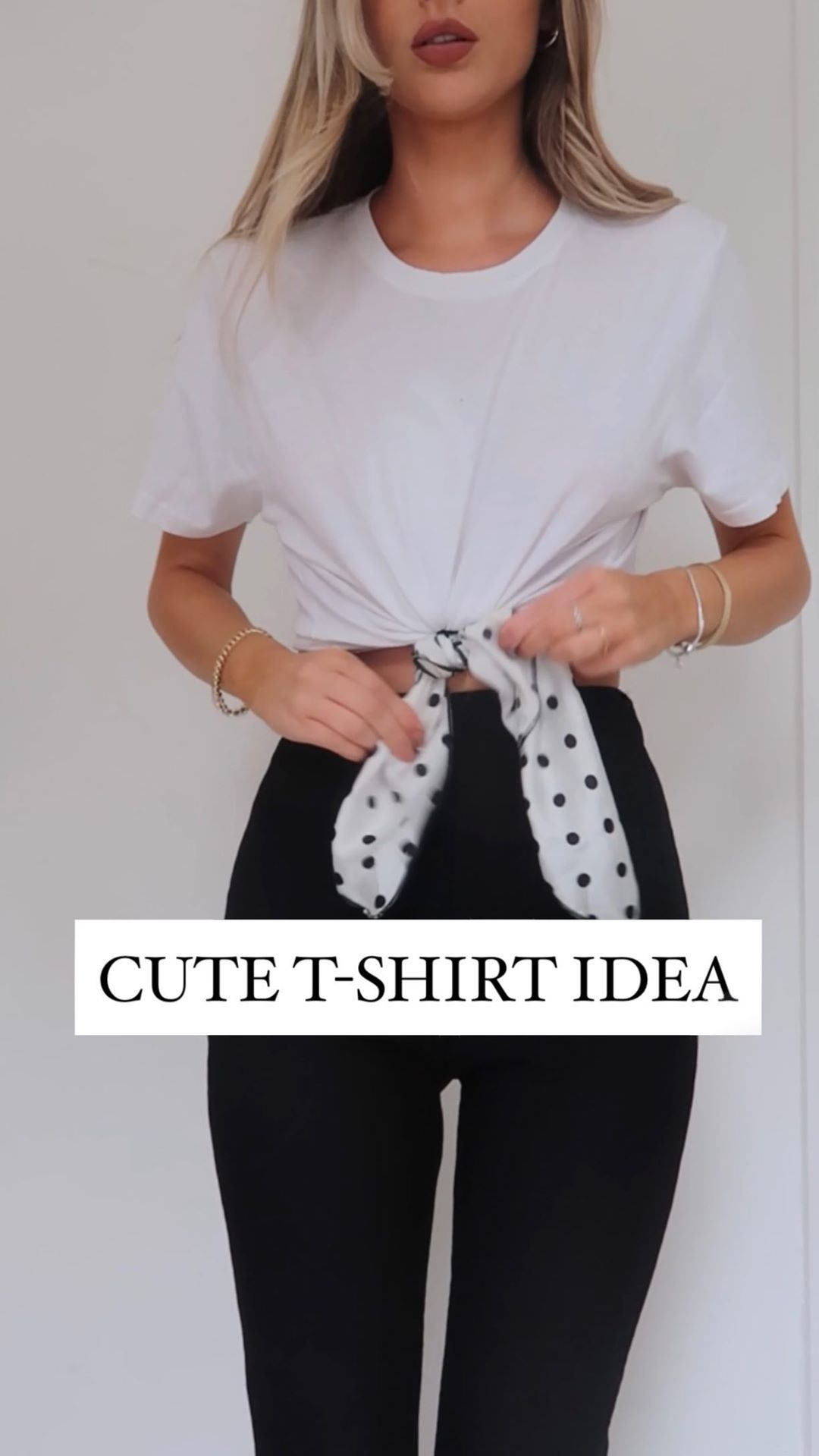 """Lydia Rose on Instagram: """"Style hack - cute tee idea 🖤🖤 • #waystowear #whitetshirt #outfit"""""""