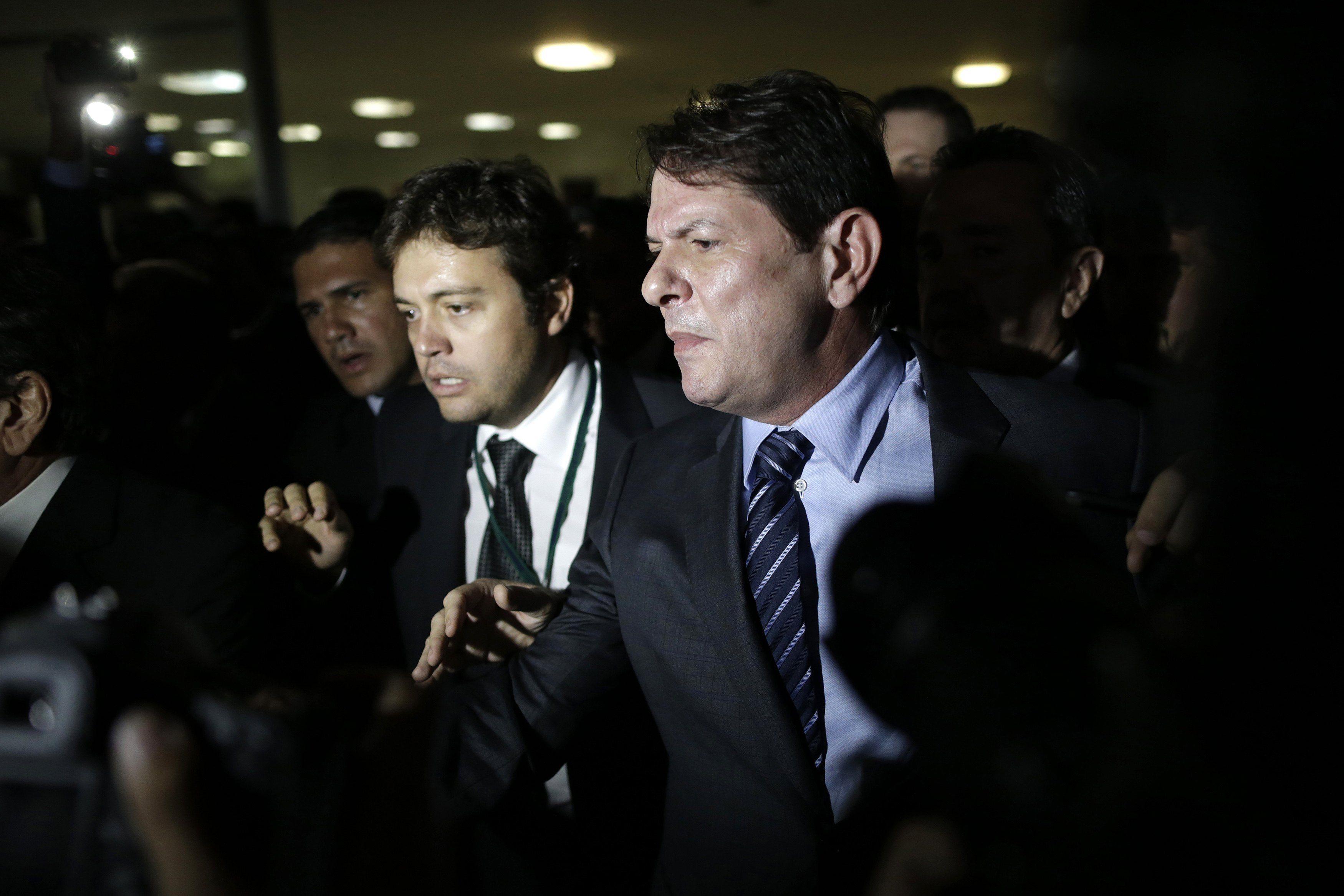 Câmara vai à Justiça contra o ex-ministro Cid Gomes - http://po.st/MBv7n5  #Política - #Câmara, #CidGomes, #CrimeDeResponsabilidade, #Declarações, #Justiça