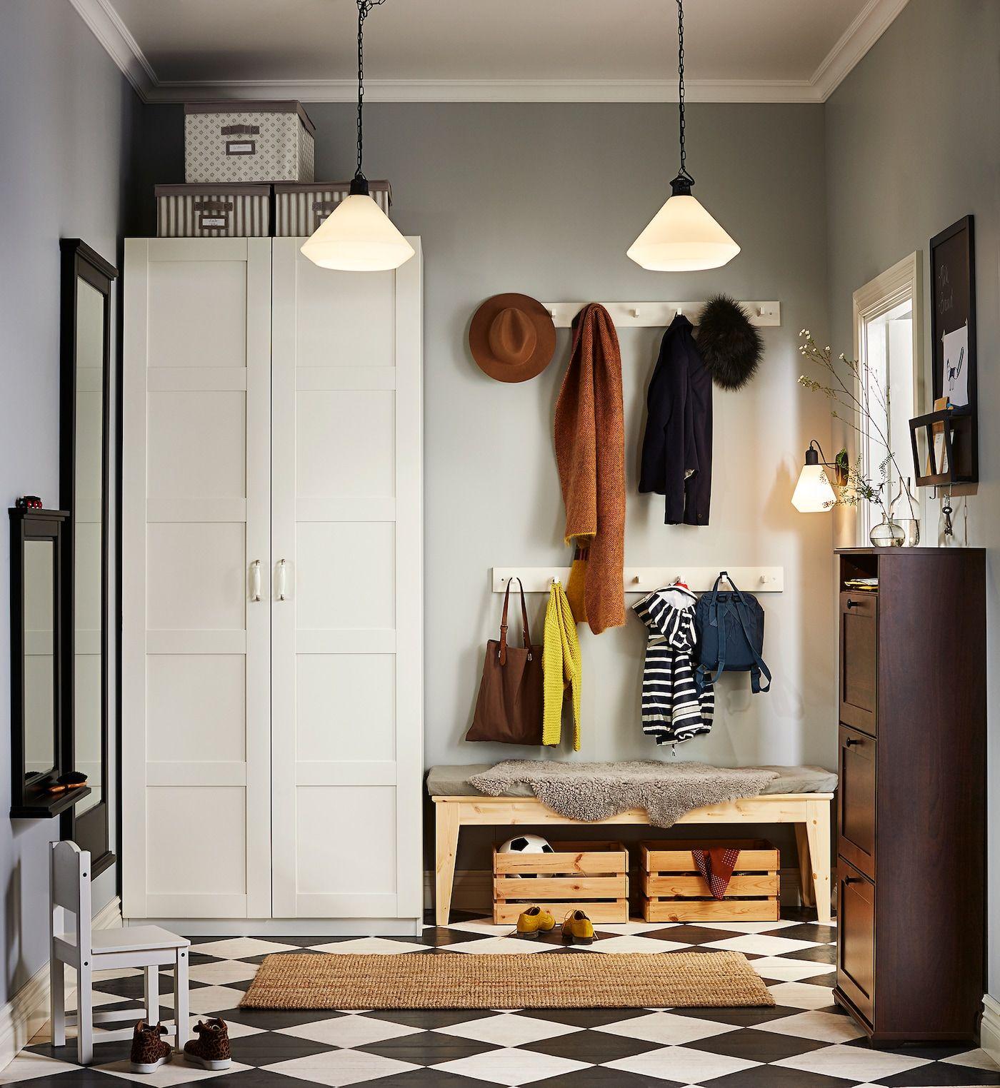 Mehr Platz Im Flur Fur Jacken Mutzen In 2020 Luxuriose Inneneinrichtung Luxus Interieur Wohnungseinrichtung Wohnzimmer