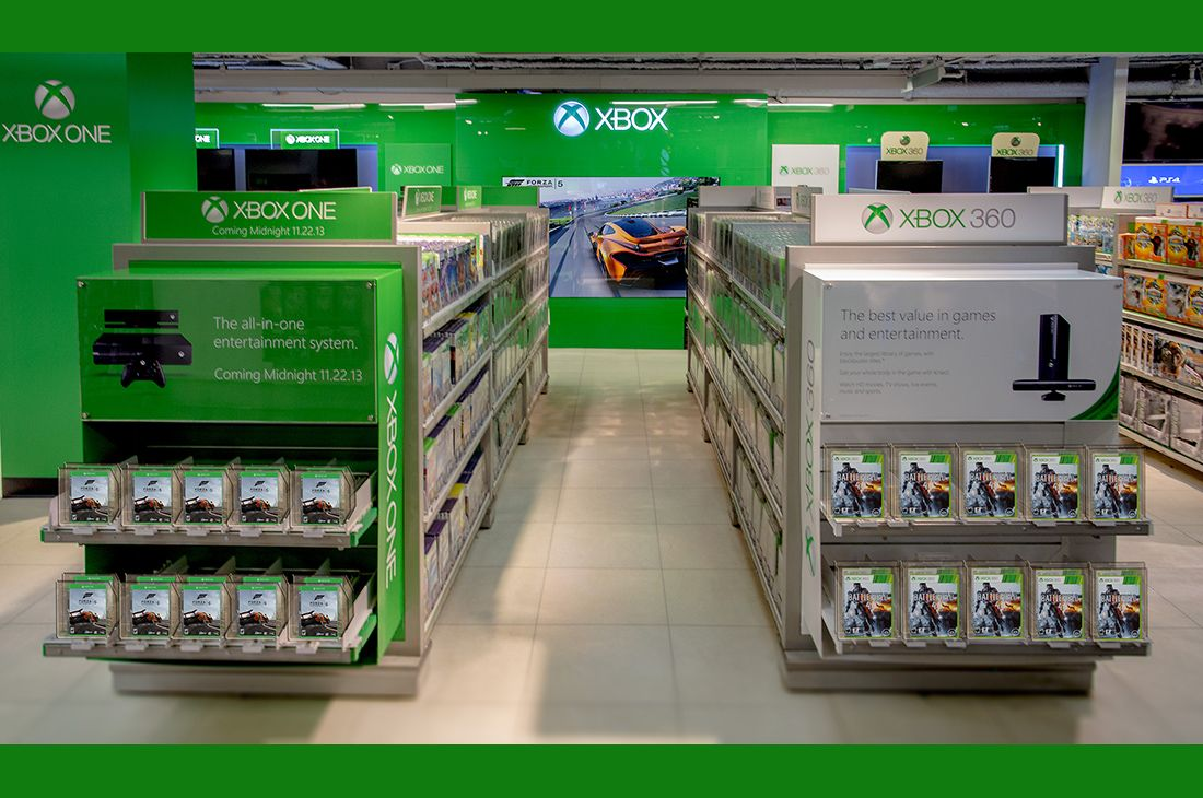 Toys R Us Nyc Flagship Store Xbox One Redesign Retail Design