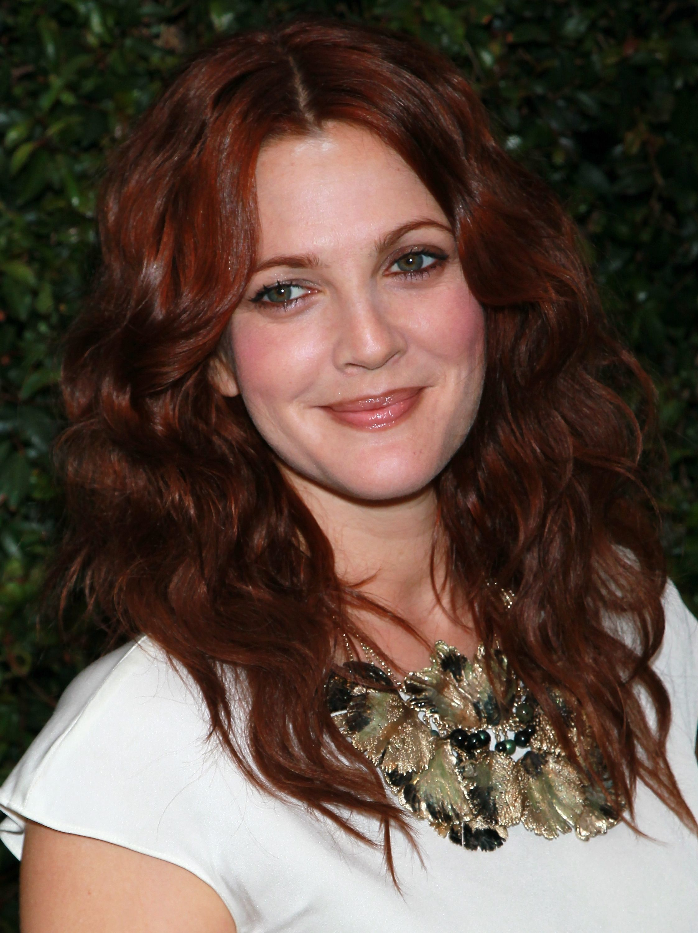 Red Hair Color Shades For Olive Skin Red Hair Color Ideas For 2015 17 Celebrity Redheads Hair Color Auburn Medium Red Hair Gorgeous Hair Color