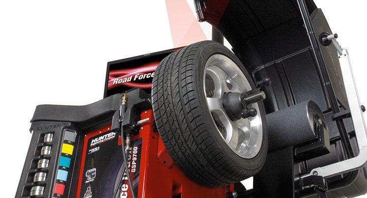 Wheel & Tire Balancer Road Force Touch® Wheel Balancing