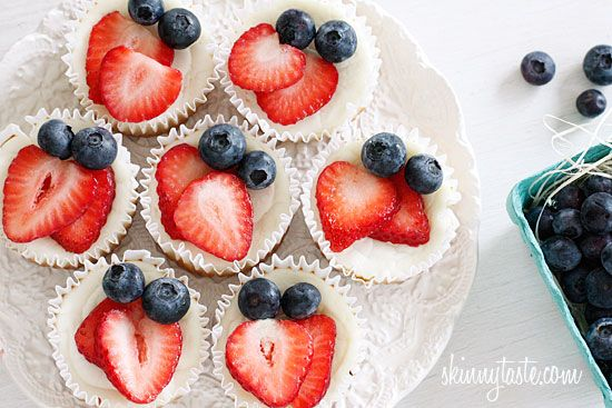 Red, White and Blueberry Cheesecake Yogurt Cupcakes - perfect light dessert under 100 calories!