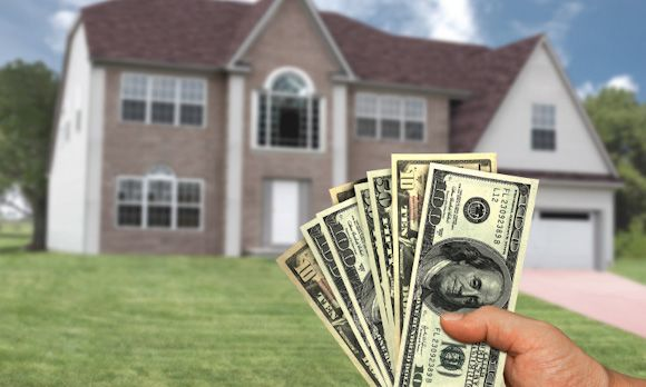 Why all-cash offers rule the school (© ktsimage) Real Estate