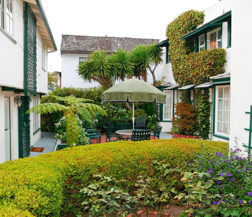 Fireplace Inn In Carmel Wonderful Little Cottages Really Quaint
