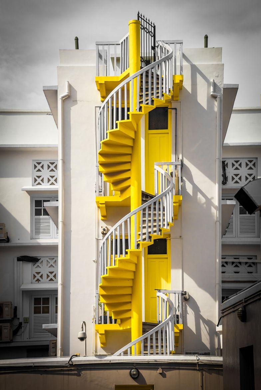 Fotografía Hidden Dragon (Spiral Staircase) por Swee Meng Seow en 500px