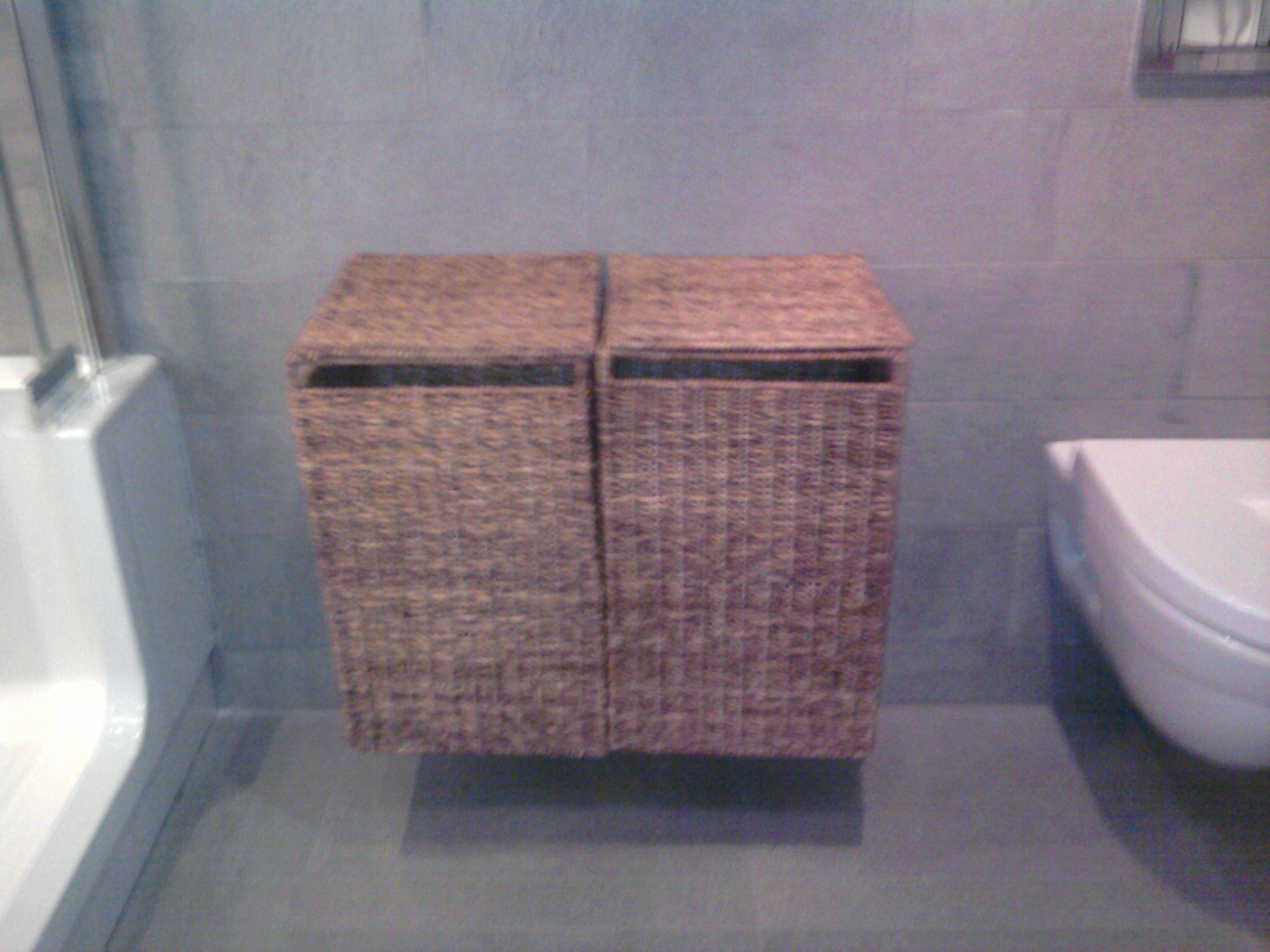 voor de landelijkse sfeer in de badkamer: rieten wasmanden (hangen ...