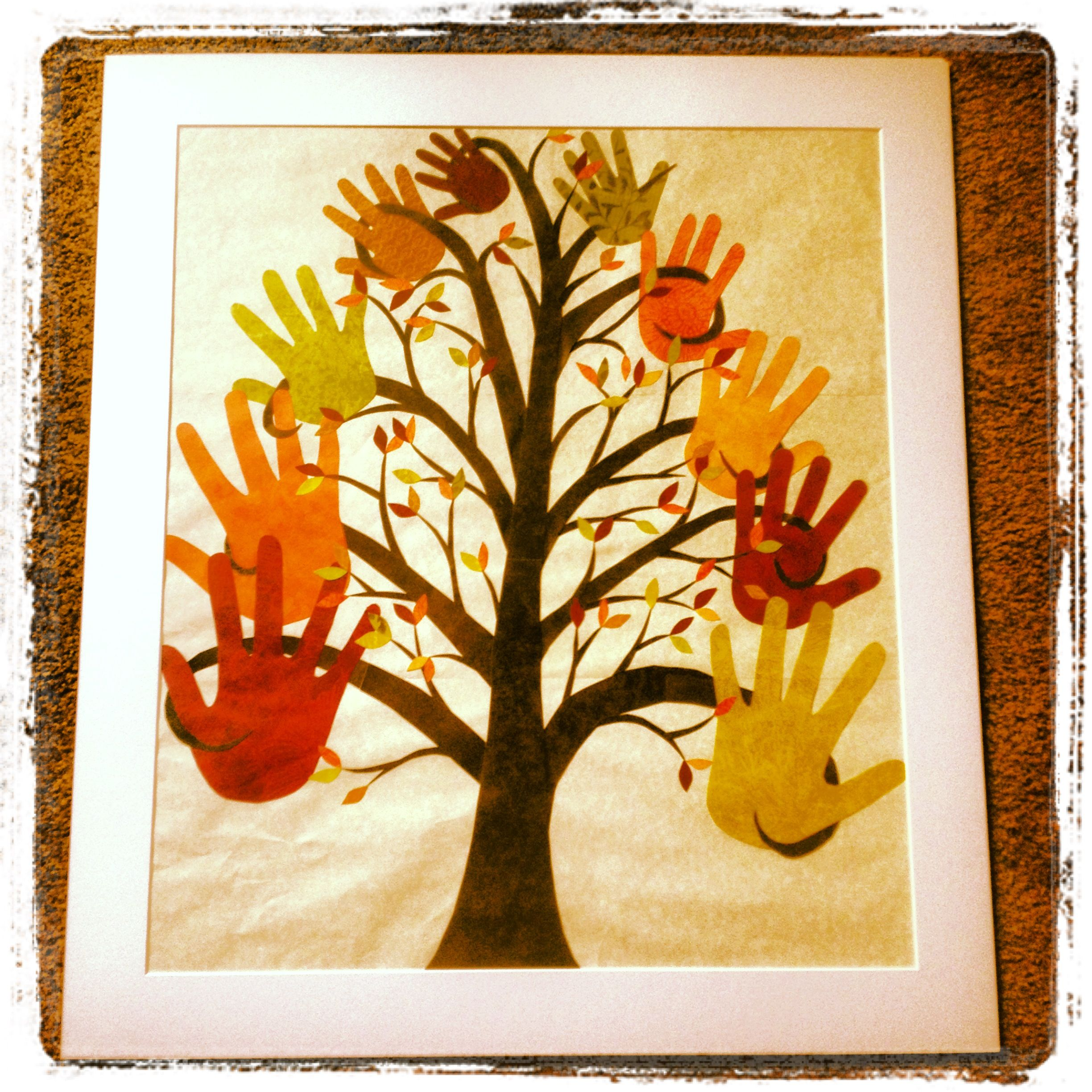 Mother\'s Day gift for grandma.....tree with grand kids handprints ...