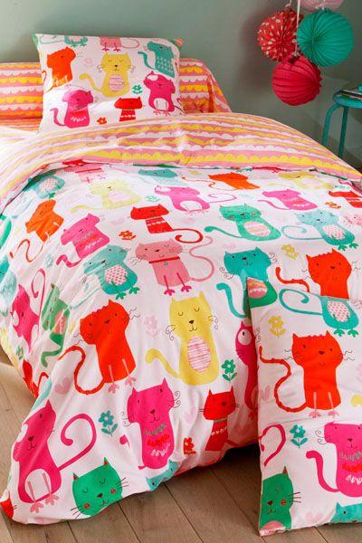 vente becquet 19907 linge de lit enfant parure de couette mimicats rouge et blanc lit. Black Bedroom Furniture Sets. Home Design Ideas