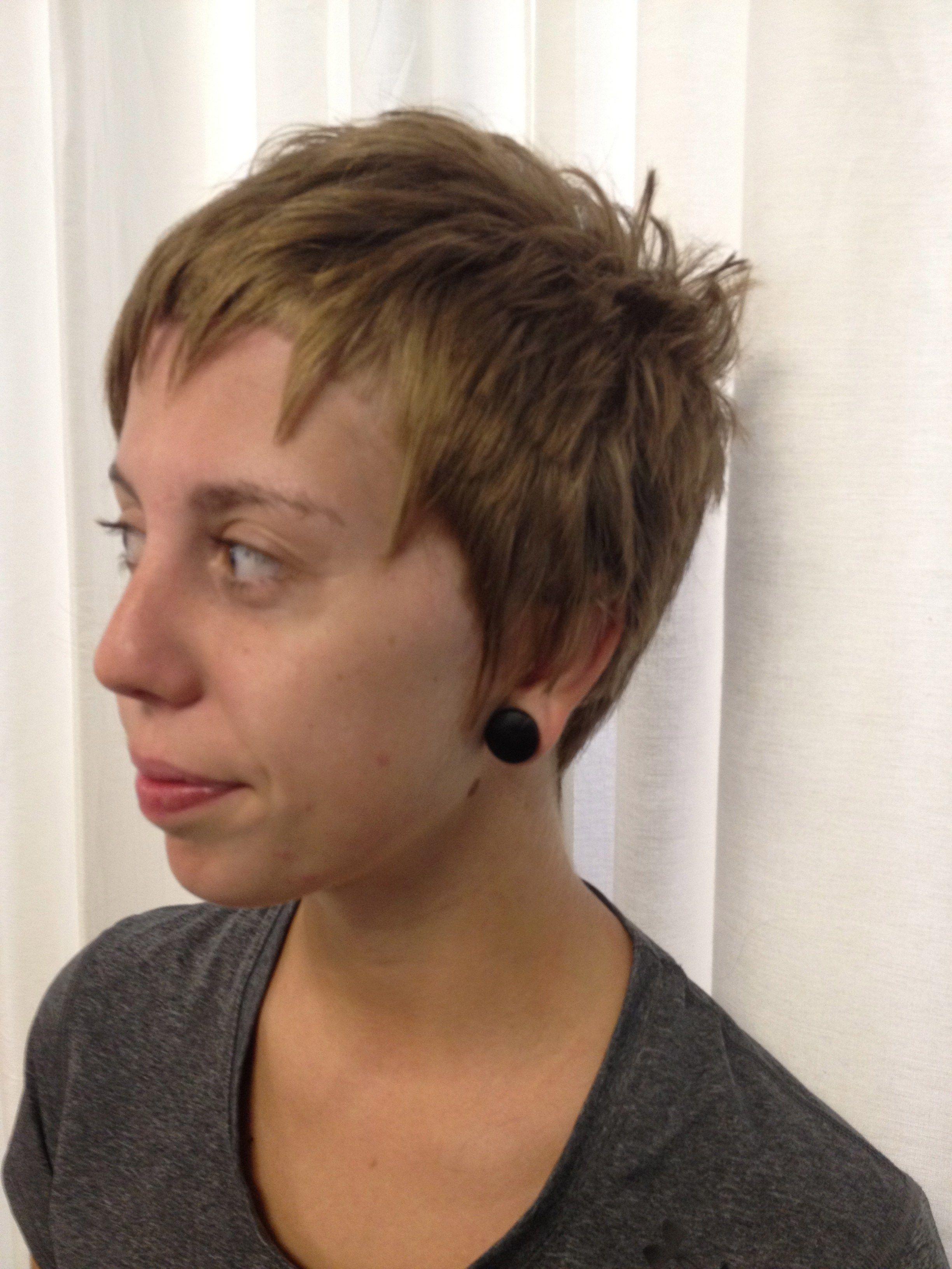 Schone Weibliche Kurze Frisuren Frisur Kurze Haare Madchen Haarschnitt Kurz Haare Kurz Schneiden