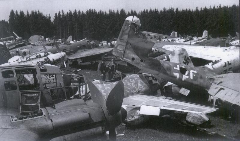 Pin On Me 262 A 1a U3 White Outline 34