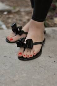 ADORABLE bow sandals @magnolialanelv