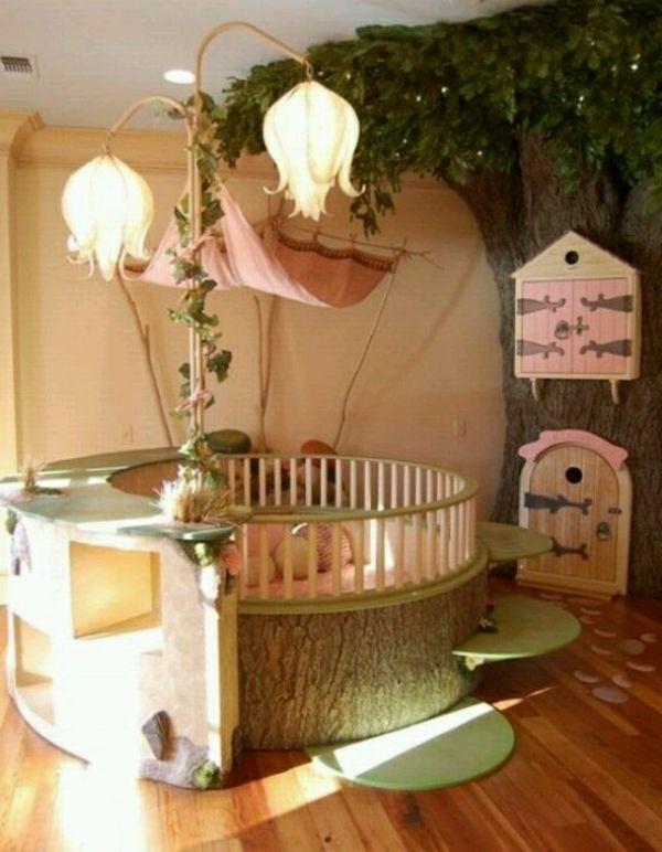 Stehlampen Und Rundes Bett Furs Babyzimmer