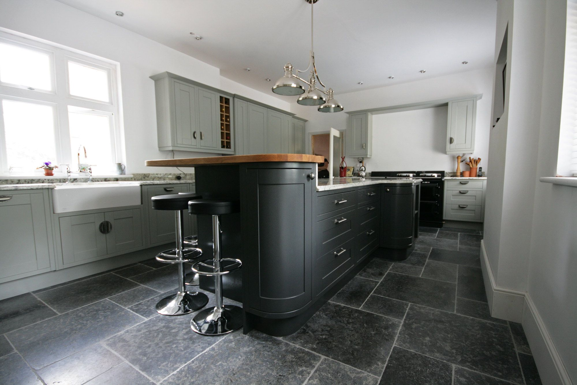Picture of kitchen millstone limestone flooring tiles lovely millstone tumbled limestone available in large and small sizes for floor tiles order your free sample of millstone tumbled limestone tiles today dailygadgetfo Gallery