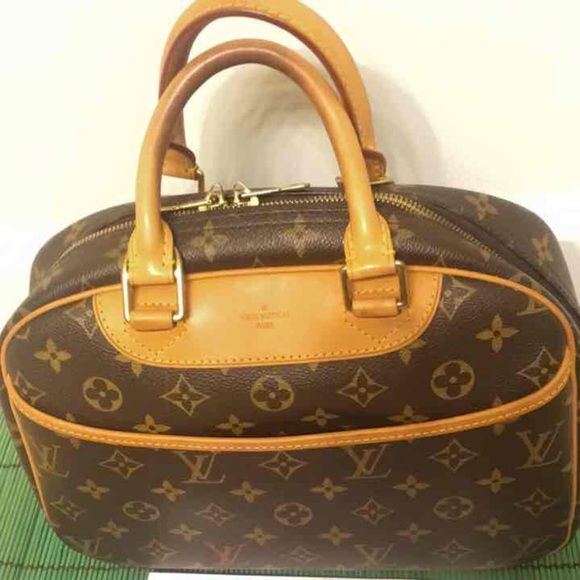 05ba73a7706b ... condition price is negotiable no trades comes with handle covers 4 Louis  Vouiton like new condition very good taken care Louis Vuitton Bags Satchels