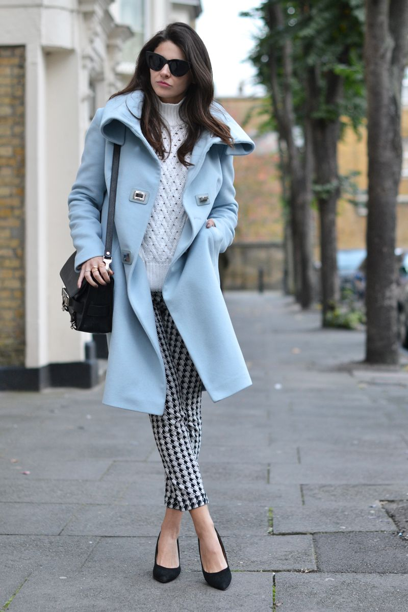 20 Amazing Outfits That Prove Pastel Blue Coats Are
