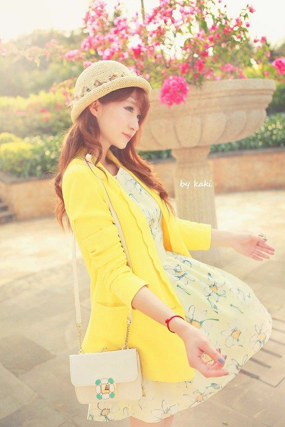 2012 Free shippingJapan and South Korea daisy bud strap dress sleeveless waistcoat US $16.90