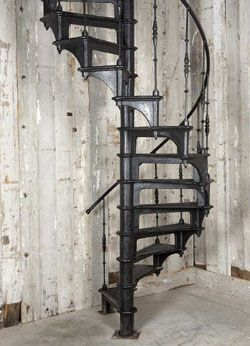 Materiaux De Recuperation Escalier Colimacon Industriel En Fonte
