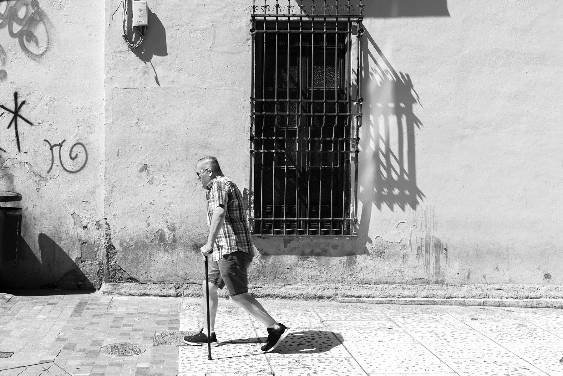 Hombre con bastón