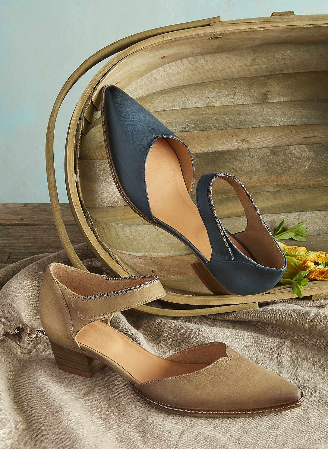 Coralise Shoes - sleek Mary Janes shoes that are entirely handmade, from  heel to toe